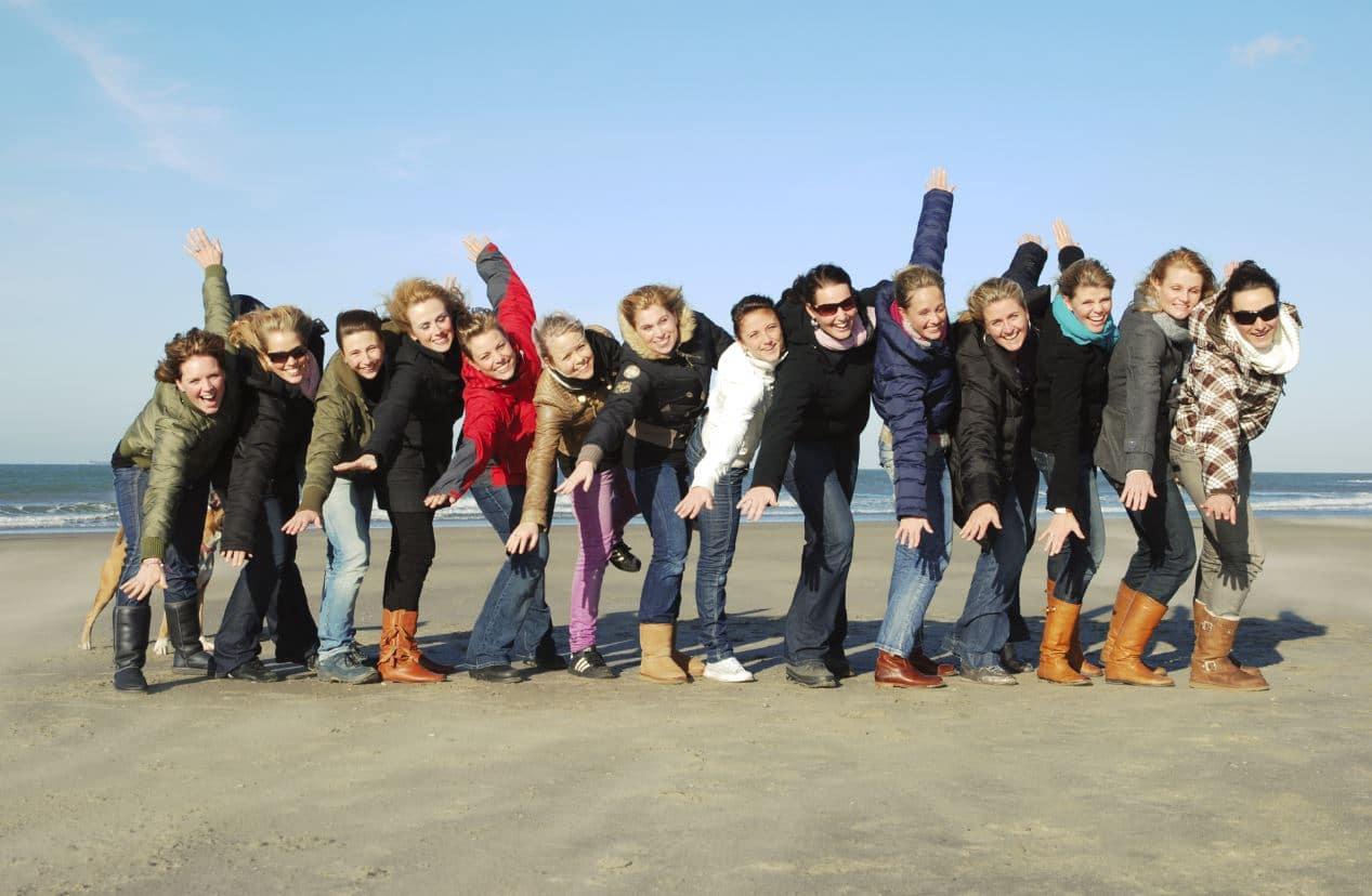 Bedrijfsuitje Hoek van Holland, strandtent